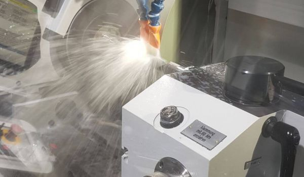 Beinlich invests in a new CNC cylindrical grinding machine